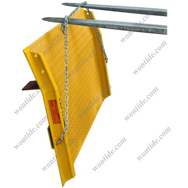 Steel Dock Boards with Chains and Safety Curbs